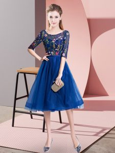 Royal Blue Empire Scoop Half Sleeves Tulle Knee Length Lace Up Embroidery Vestidos de Damas