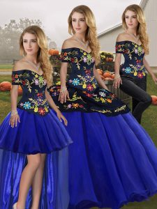 Affordable Sleeveless Lace Up Floor Length Embroidery Ball Gown Prom Dress