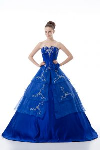 Royal Blue Vestidos de Quinceanera Sweet 16 and Quinceanera with Embroidery and Ruffled Layers V-neck Sleeveless Lace Up