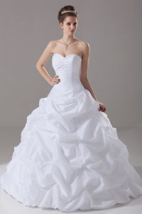White Wedding Gowns Sweetheart Sleeveless Brush Train Lace Up