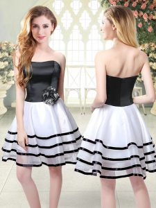 Fine A-line Prom Gown White And Black Strapless Organza Sleeveless Mini Length Zipper