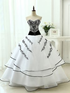 White Sleeveless Beading and Appliques Floor Length Quinceanera Gown