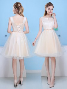 Captivating Scoop Sleeveless Knee Length Bowknot Lace Up Wedding Guest Dresses with Champagne