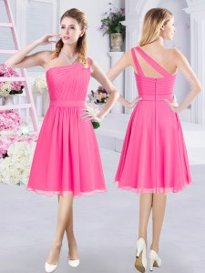 High End A-line Quinceanera Dama Dress Hot Pink One Shoulder Chiffon Sleeveless Knee Length Zipper