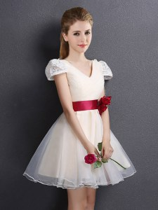 Champagne Short Sleeves Lace and Hand Made Flower Mini Length Dama Dress for Quinceanera