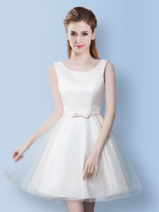 Scoop Sleeveless Tulle Knee Length Lace Up Wedding Party Dress in White with Bowknot