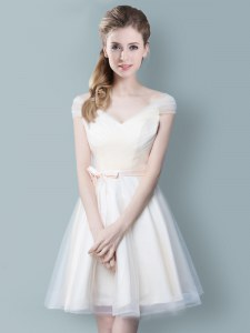Smart Champagne Tulle Zipper Court Dresses for Sweet 16 Cap Sleeves Knee Length Ruching and Bowknot