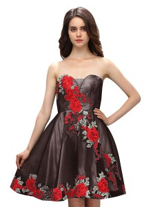 Multi-color Silk Like Satin Zipper Sweetheart Sleeveless Knee Length Cocktail Dresses Embroidery