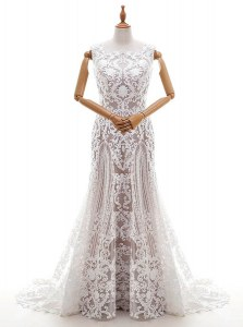 Enchanting Scalloped Square Sleeveless Wedding Gowns With Brush Train Appliques White Lace