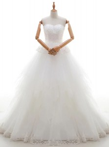 Luxurious White Zipper Wedding Gown Lace Sleeveless With Train Court Train