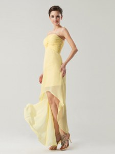 Light Yellow Strapless Neckline Ruching Prom Evening Gown Sleeveless Zipper
