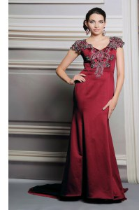 Comfortable Satin V-neck Short Sleeves Court Train Side Zipper Appliques Homecoming Dress in Burgundy