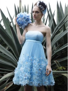 Hot Sale Baby Blue A-line Organza Strapless Sleeveless Beading and Ruching Knee Length Backless Cocktail Dresses
