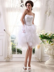 White A-line Strapless Sleeveless Organza Knee Length Zipper Beading and Belt Prom Gown