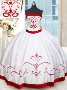 Spectacular White and Red Ball Gowns Strapless Sleeveless Satin Floor Length Lace Up Beading and Embroidery Quinceanera Dresses