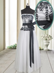 Sophisticated White And Black Strapless Zipper Lace and Bowknot Prom Gown Sleeveless