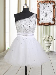 Fancy White Tulle Zipper One Shoulder Sleeveless Mini Length Cocktail Dresses Beading