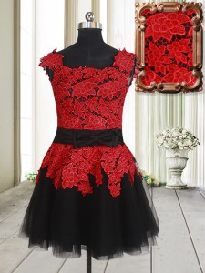 High End Square Red And Black Sleeveless Appliques Mini Length Prom Dress