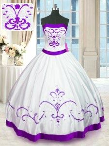 Floor Length Lace Up Vestidos de Quinceanera White for Military Ball and Sweet 16 and Quinceanera with Beading and Embroidery