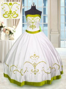 Sleeveless Embroidery Lace Up Sweet 16 Quinceanera Dress