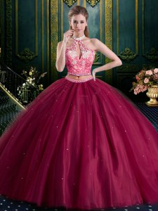 Affordable Halter Top High-neck Sleeveless Lace Up Quinceanera Dresses Burgundy Tulle