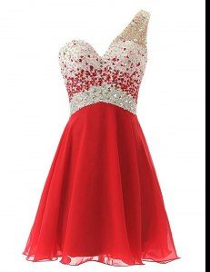 Elegant One Shoulder Sleeveless Chiffon Knee Length Criss Cross Prom Party Dress in Red with Beading