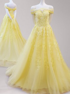 Inexpensive Yellow Lace Up Off The Shoulder Beading and Appliques Dress for Prom Tulle Cap Sleeves
