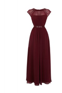 Luxurious Burgundy Chiffon Zipper Scoop Cap Sleeves Floor Length Dress for Prom Beading