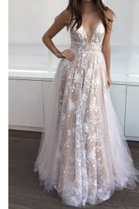 Sexy Champagne Zipper V-neck Lace Dress for Prom Tulle Sleeveless