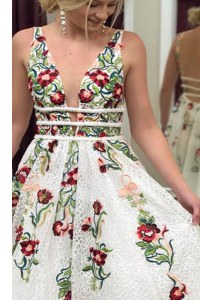Dramatic Sleeveless Sweep Train Appliques Backless Prom Dresses