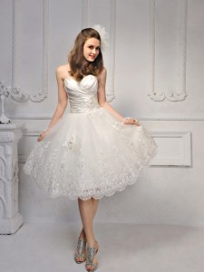 Inexpensive Knee Length Lace Up Bridal Gown White for Wedding Party with Lace