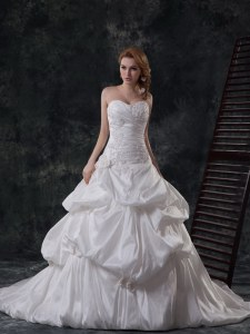 Cute Sweetheart Sleeveless Bridal Gown With Brush Train Beading and Appliques and Pick Ups White Taffeta