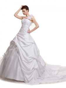 Hot Selling Pick Ups White Sleeveless Taffeta Court Train Lace Up Wedding Dress for Wedding Party