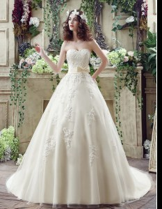 High End Sweetheart Sleeveless Wedding Dresses Court Train Lace and Appliques and Bowknot Champagne Tulle
