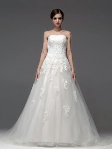 White A-line Tulle Strapless Sleeveless Appliques Lace Up Wedding Dresses Brush Train
