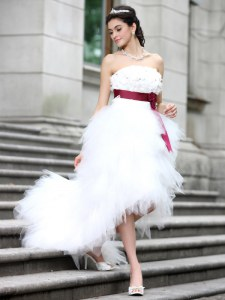 High Low Zipper Wedding Dress White for Wedding Party with Ruffles and Belt and Hand Made Flower