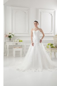 Popular White A-line Sweetheart Sleeveless Tulle Sweep Train Clasp Handle Lace and Appliques Wedding Dress
