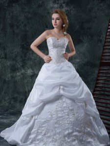 Sleeveless Taffeta With Brush Train Lace Up Wedding Dresses in White with Beading and Embroidery