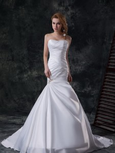 White Mermaid Beading and Ruching Wedding Dresses Lace Up Taffeta Sleeveless With Train