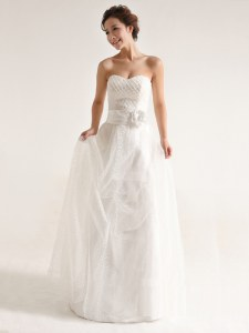 Trendy Floor Length Zipper Wedding Gown White for Wedding Party with Hand Made Flower