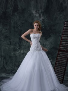 Sleeveless With Train Beading and Appliques Lace Up Wedding Gown with White Court Train