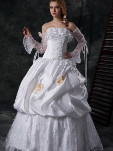 Free and Easy Floor Length White Wedding Gown Taffeta Sleeveless Lace and Appliques and Pick Ups