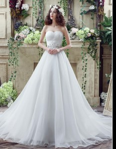 Simple White A-line Sweetheart Sleeveless Organza Court Train Lace Up Beading Wedding Dresses