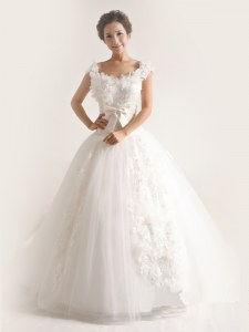 White Organza Lace Up Scoop Sleeveless With Train Wedding Gowns Brush Train Lace and Appliques
