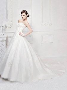 With Train White Wedding Gown Strapless Sleeveless Court Train Zipper