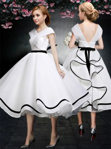 Glamorous White Zipper Prom Gown Lace Cap Sleeves Tea Length