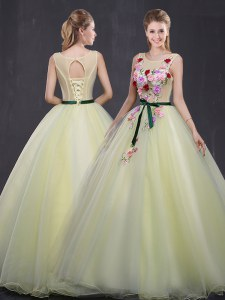 Enchanting Scoop Light Yellow Lace Up Quinceanera Dresses Appliques Sleeveless Floor Length