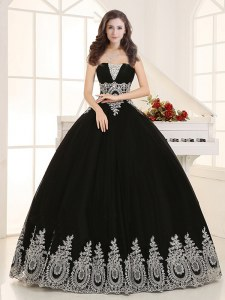 Sleeveless Floor Length Beading and Appliques Lace Up Sweet 16 Dresses with Black